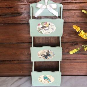 Bird themed wall mount mail organizer